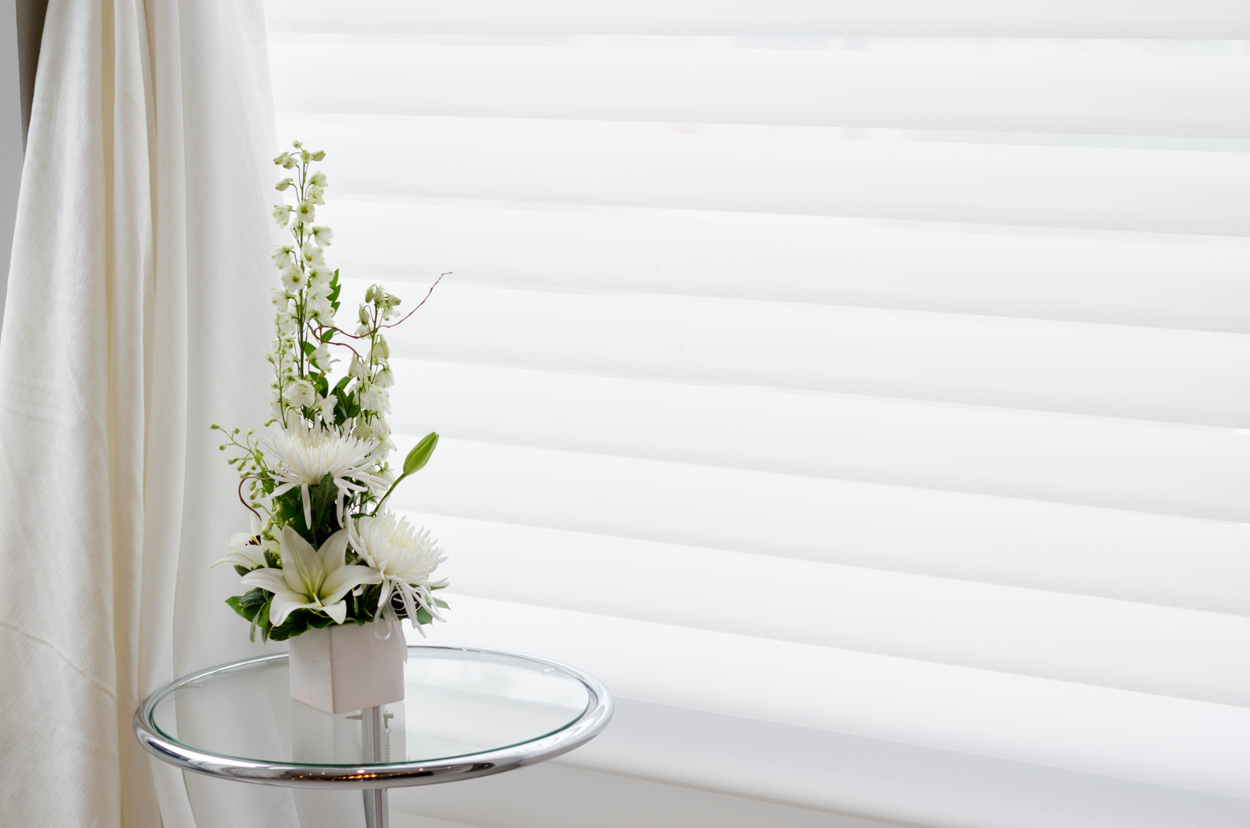 down window silhouette blinds closed a on savalan sheer shades decor bay horizontals and img